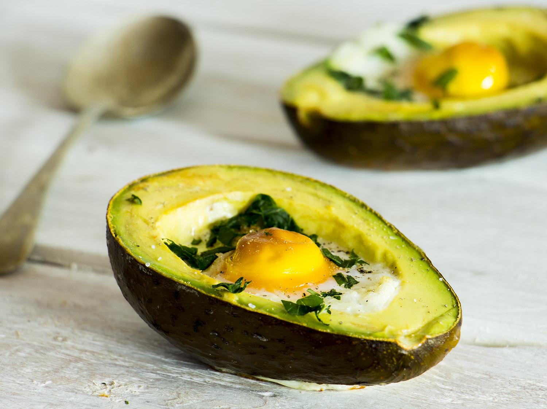 Abacate com Ovos Cozidos