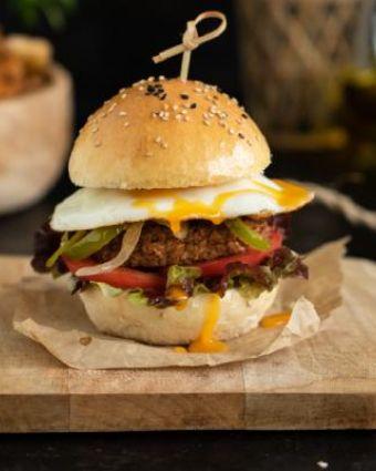 Hambúrguer Vegetariano Deluxe com Ovo