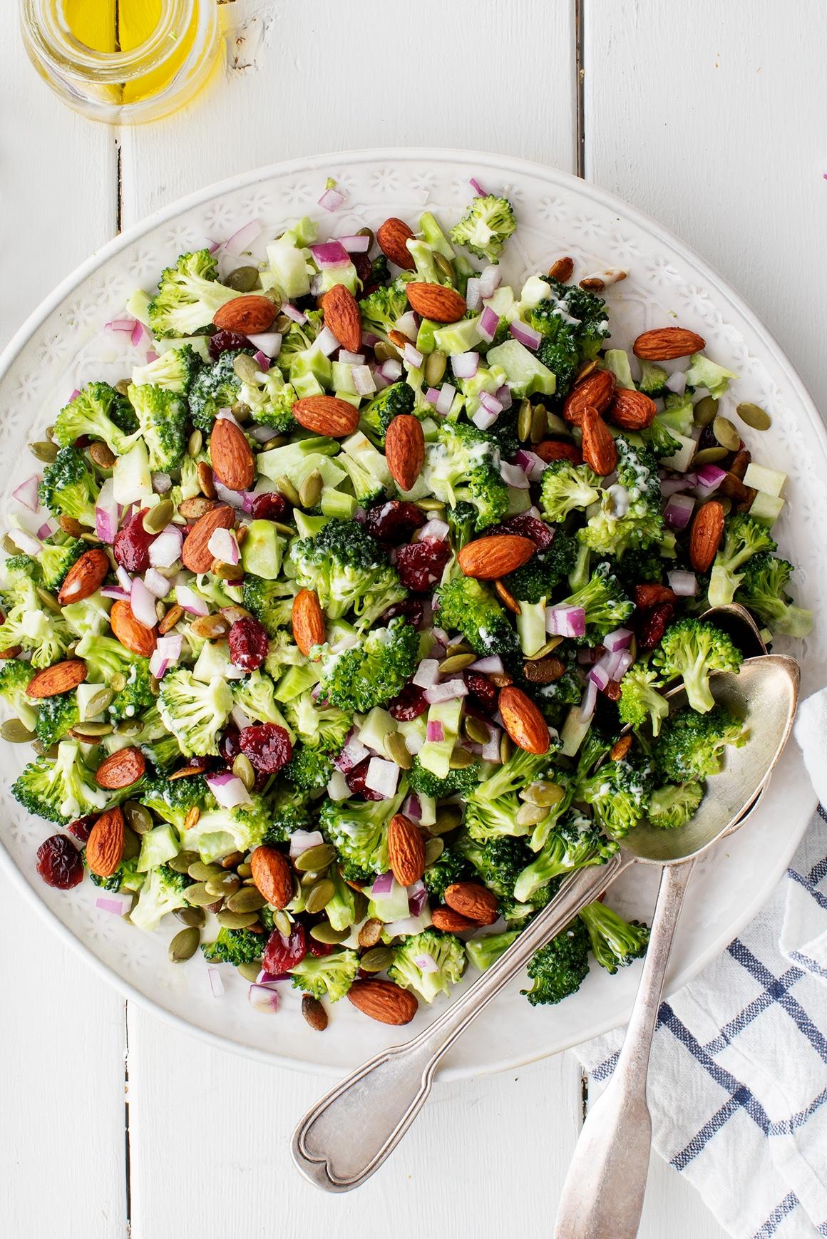 Salada de Brócolos e Amêndoas