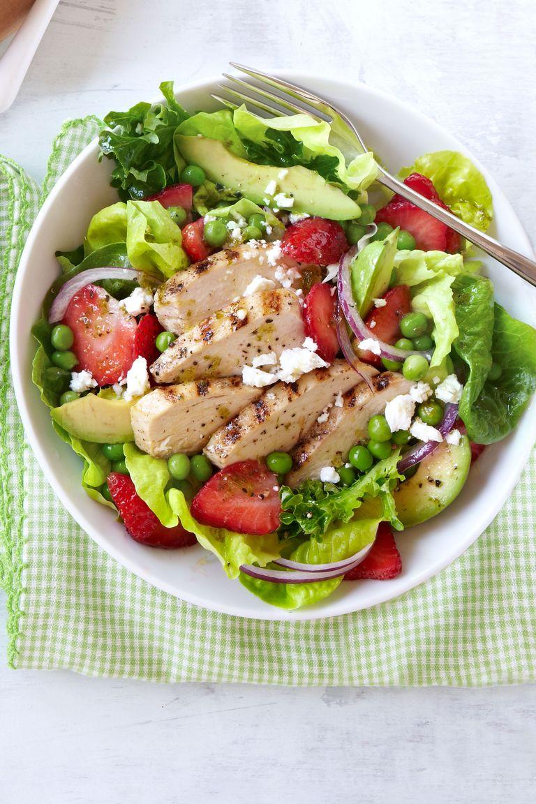 Salada de Frango Grelhado com Morangos