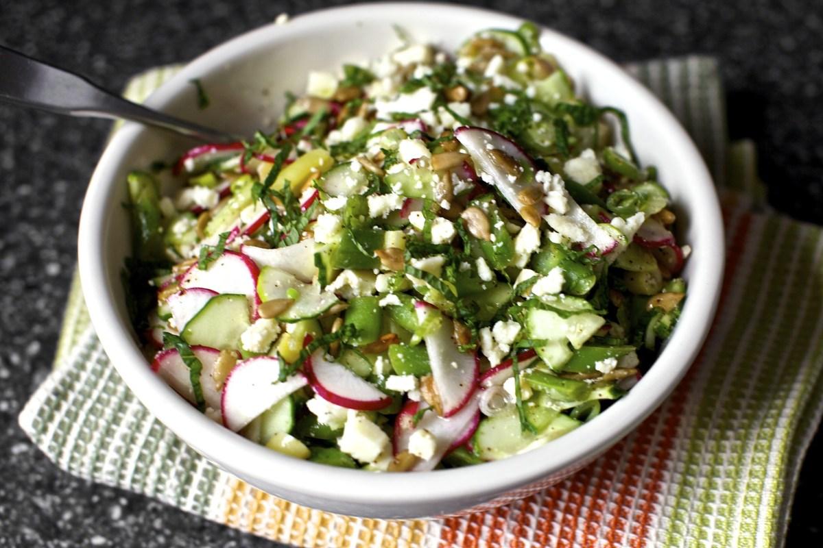 Salada de Queijo Feta, Lima e Menta