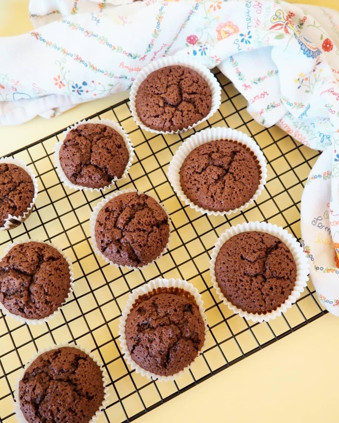 Cupcakes Húmidos de Chocolate e Amêndoa
