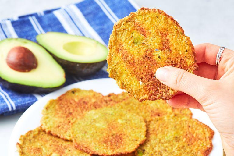 Chips de Abacate e Parmesão